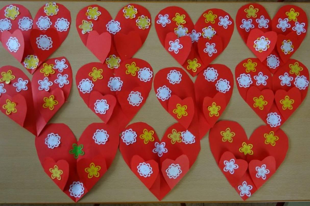 Открытка на 8 марта в подготовительной группе в виде сердца, картинки