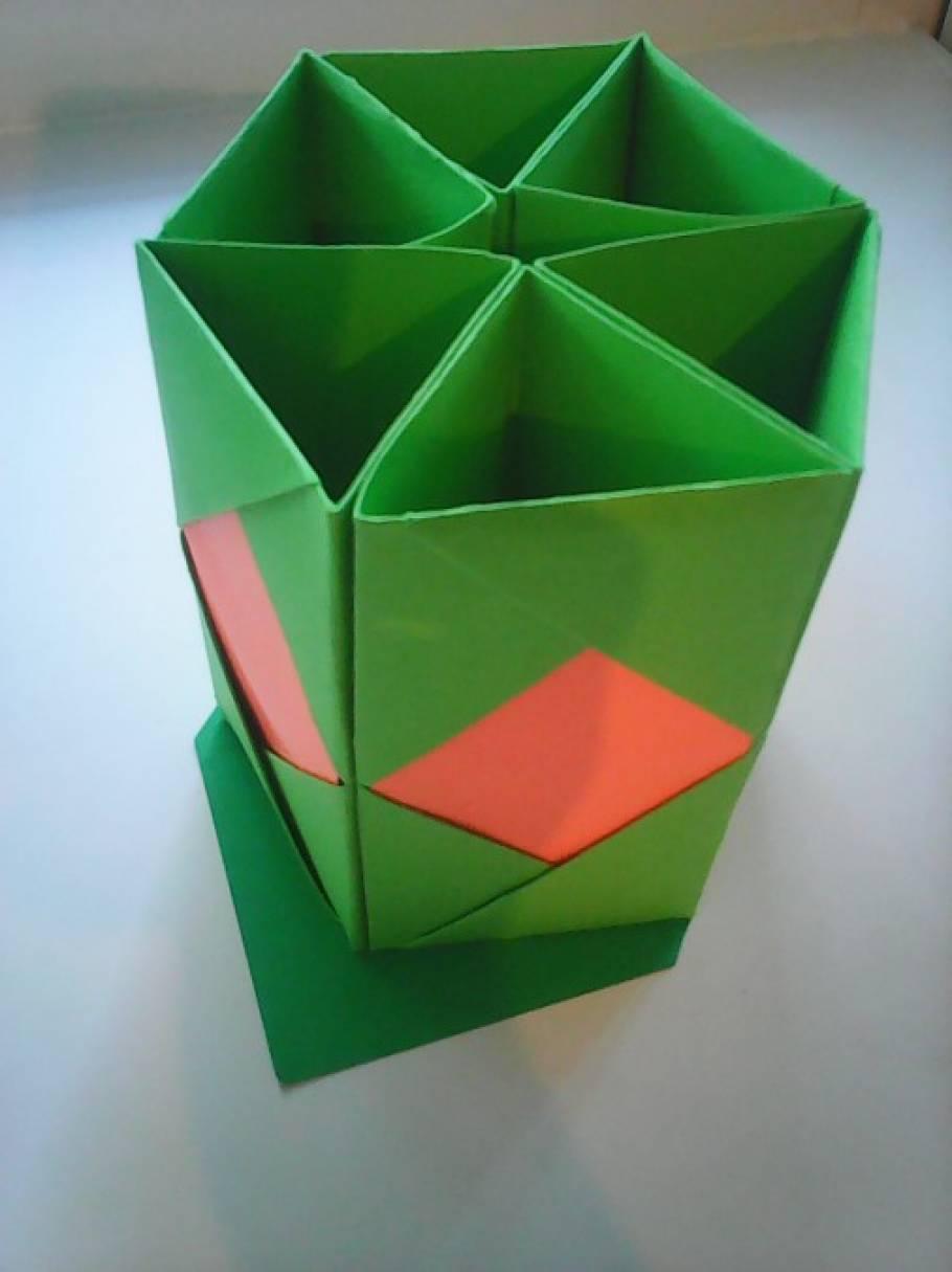 Подставка для карандашей оригами