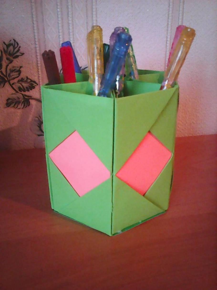 Как сделать для карандашей из бумаги оригами
