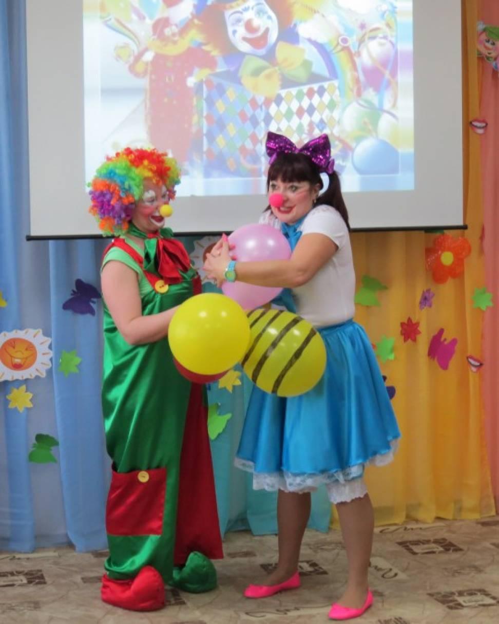 Сценарий развлечения к 1 апреля для детей старших и подготовительных групп