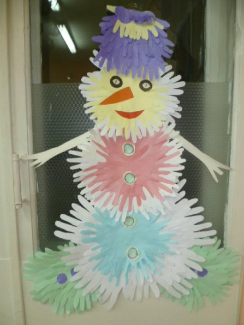 Рисунки и картинки снеговиков есть множество