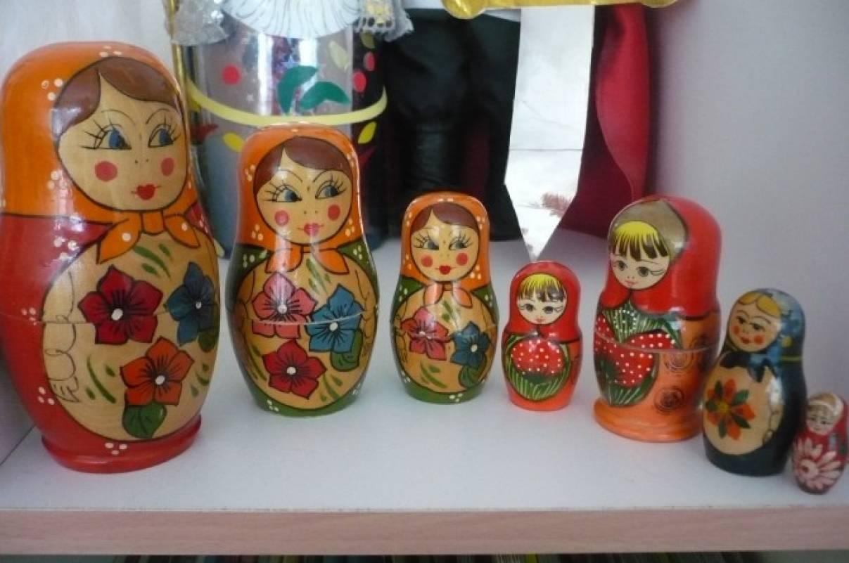 Музей кукол в средней группе.