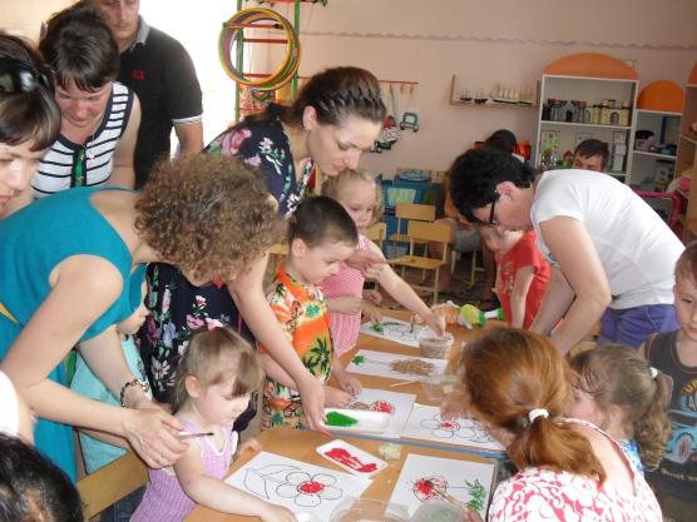 Родительское собрание «Разноцветный мир детства» (Переход из младшей в среднюю группу)