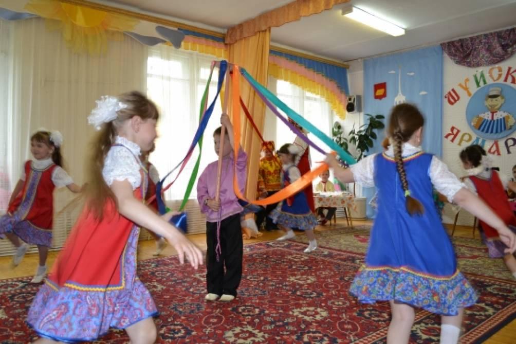 знакомство детей с ткачеством