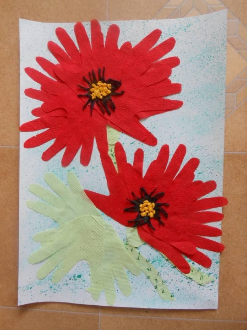 Открытка цветок из ладошек