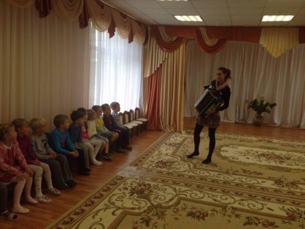 знакомство детей с танцами народов мира