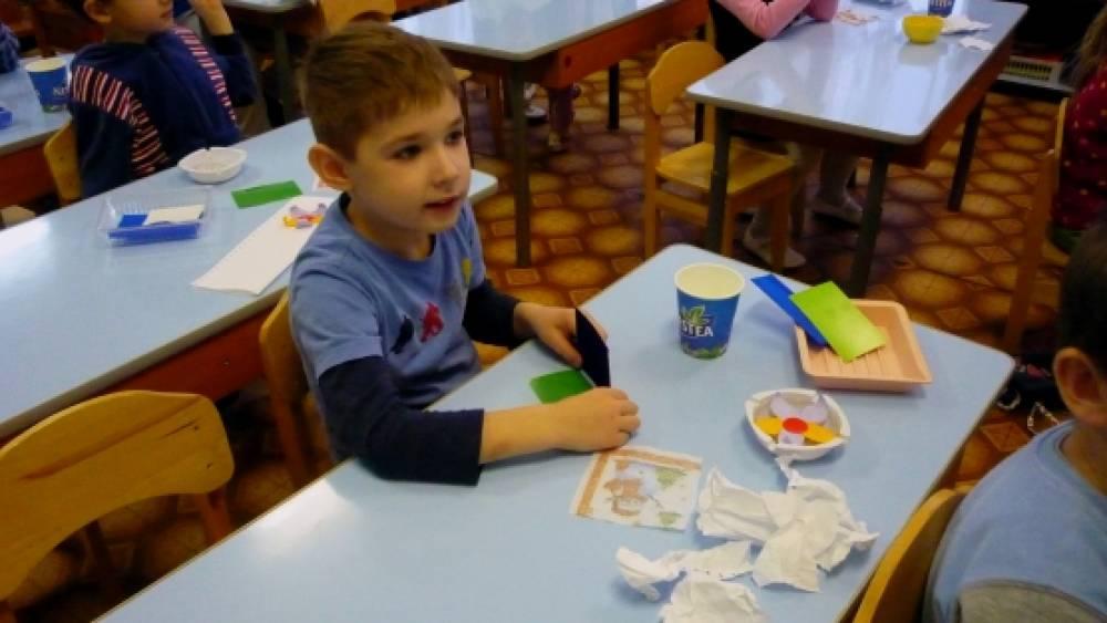конспект знакомство с бумагой в детском саду