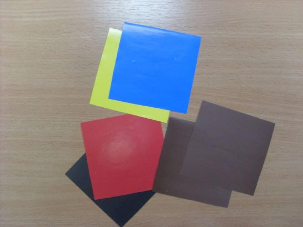 двухцветной бумаги или два
