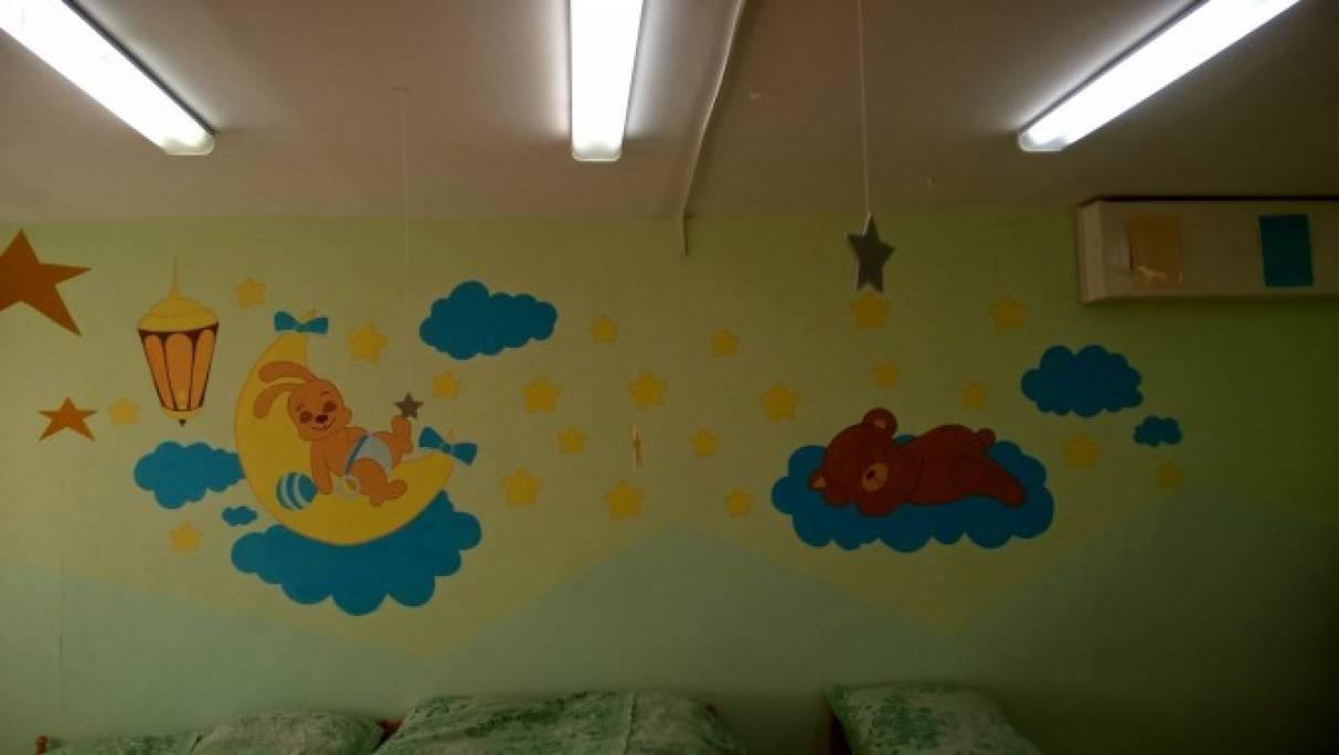 Оформление стены в детской спальне своими руками 94