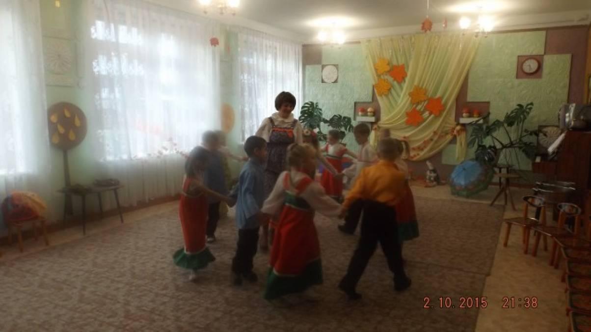 Осенний праздник с элементами фольклора «Весёлый капустник» в подготовительной группе