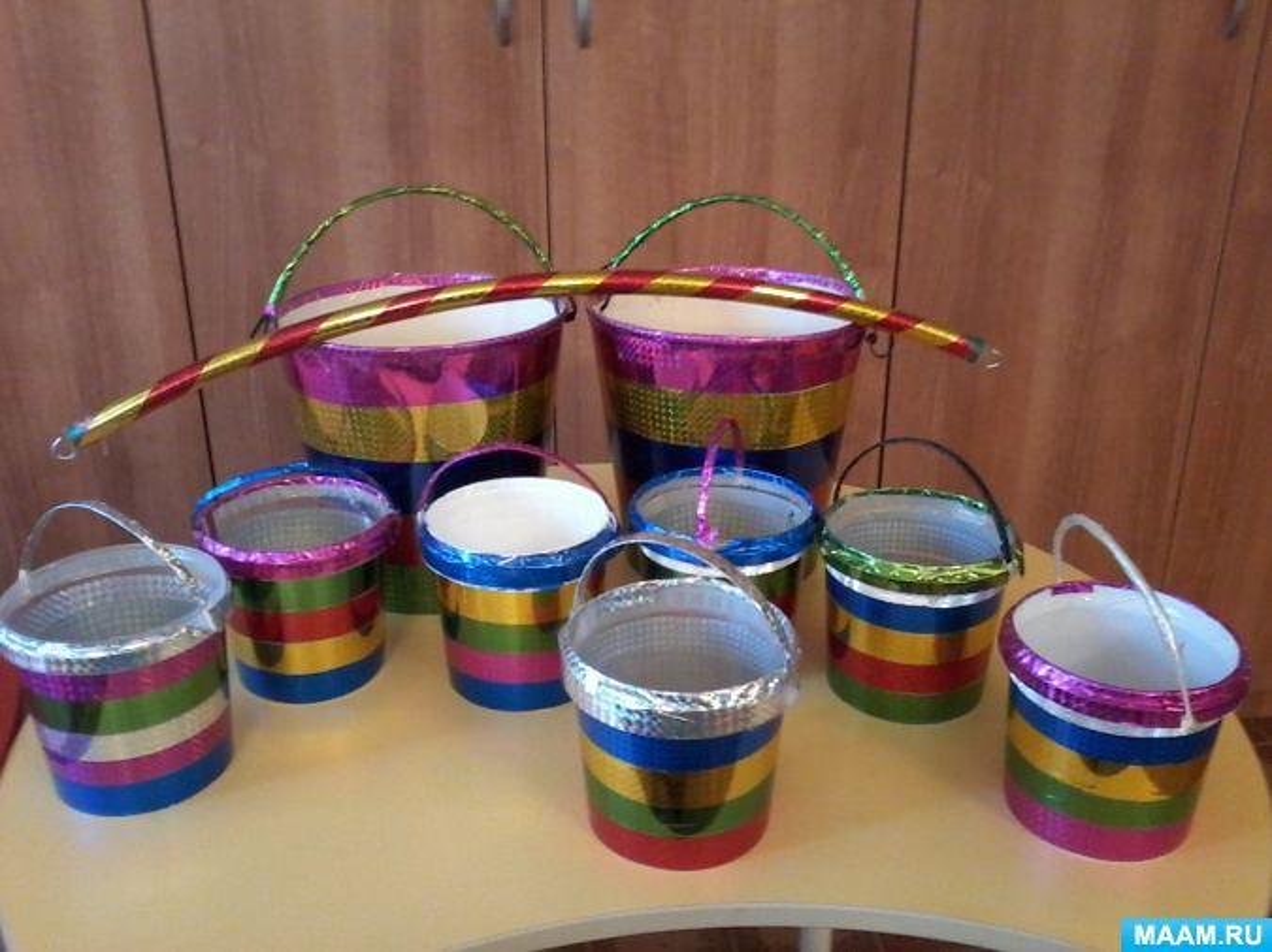 Мастер-класс по изготовлению атрибутов из бросовых материалов для танцев и игр детей дошкольного возраста