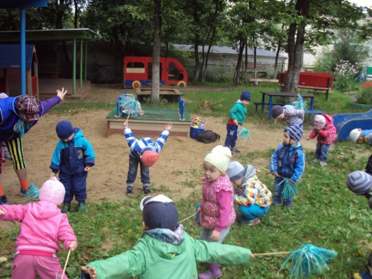 игра знакомство с детьми мячом