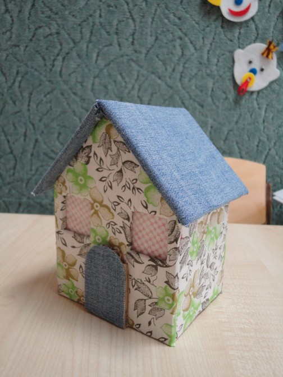 Мастер-класс «Домик из картонной коробки»
