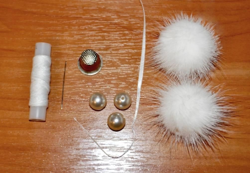 Как сделать помпоны и украшения из меха