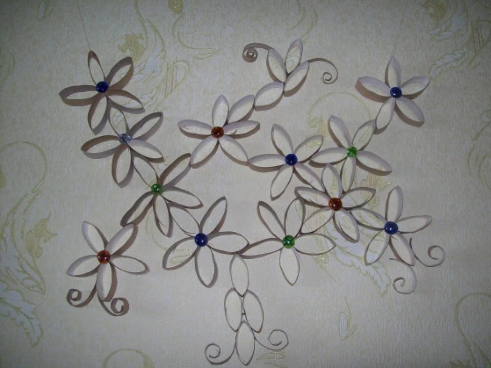 Оформление стен из бумаги