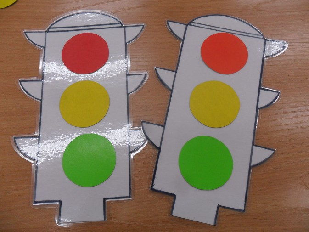 Как сделать светофор из бумаги своими руками схема 75