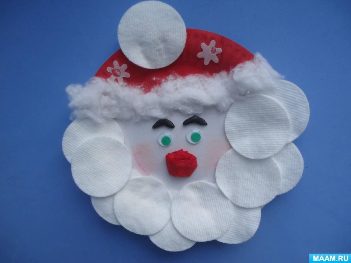 Совместное новогоднее творчество детей и родителей.