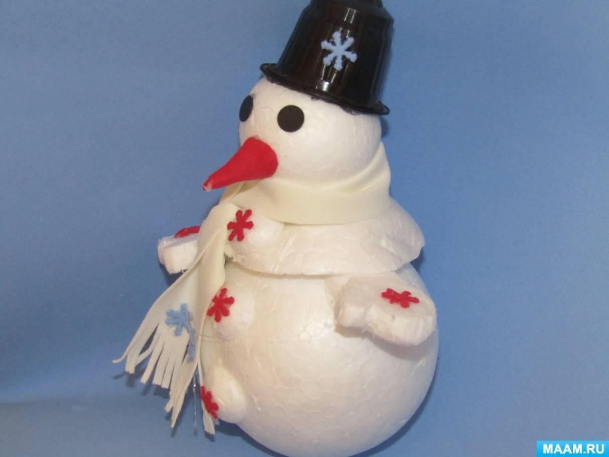 Мастер-класс «Новогодняя елочная игрушка «Снеговик из пенопластовых шаров»»