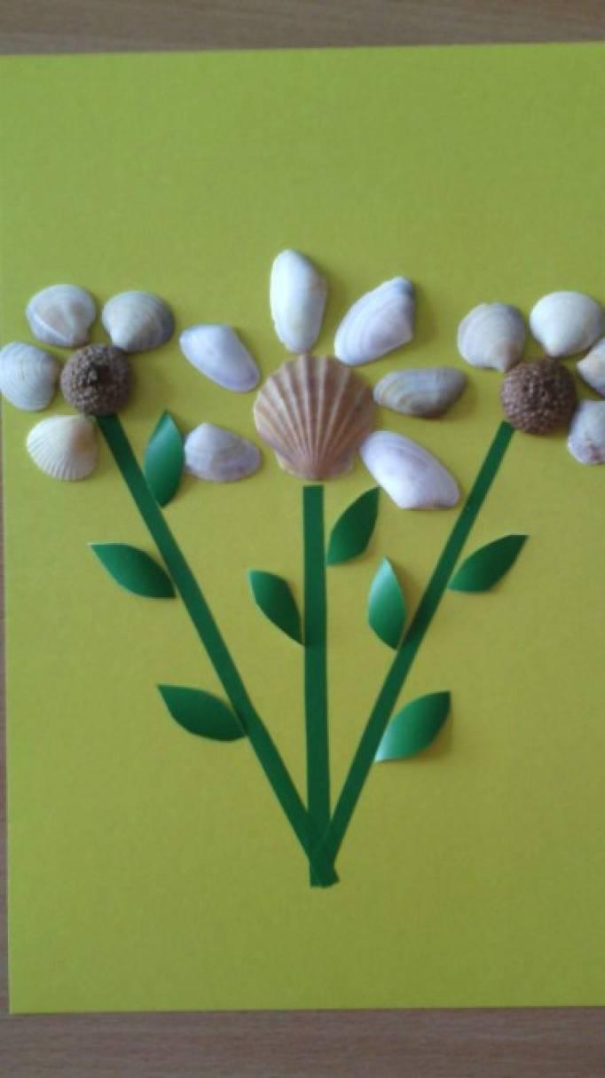 Мастер-класс: «Цветы для мамочки». Аппликация с использованием природного материала ракушек.