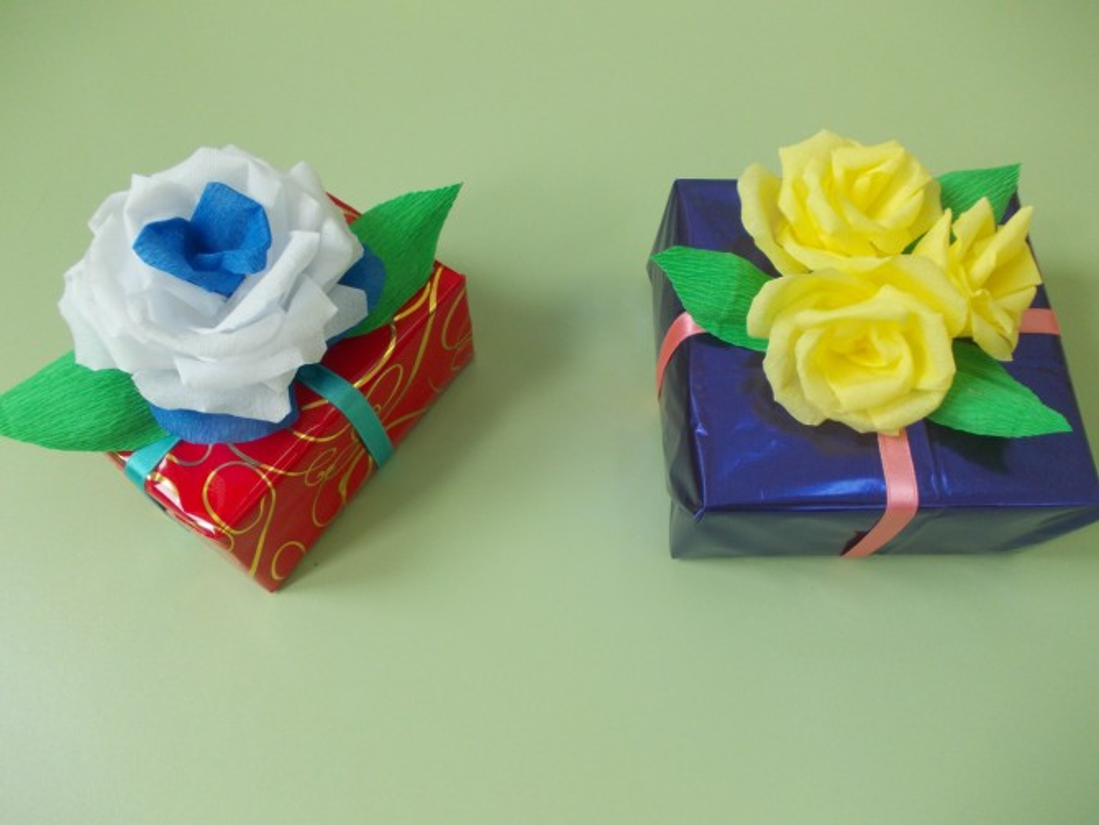 Цветы поэтапно из крепированной бумаги своими руками