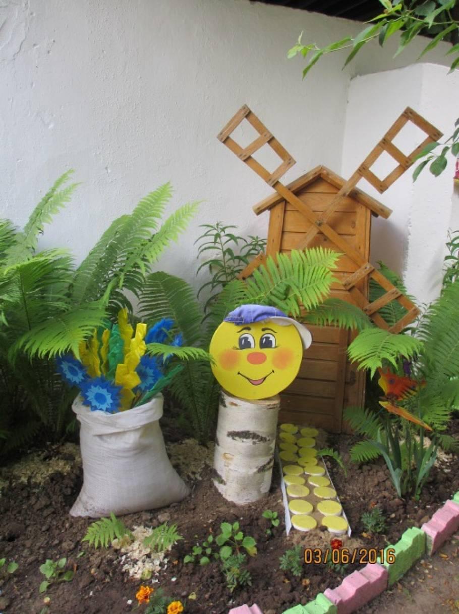 Оформление летнего участка в детском саду «Русские сказки»