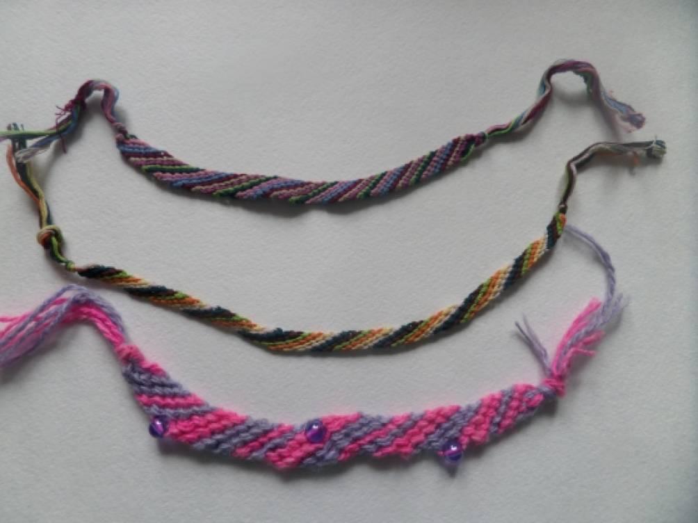 «Фенечки». Плетение фенечек— это особый вид макраме