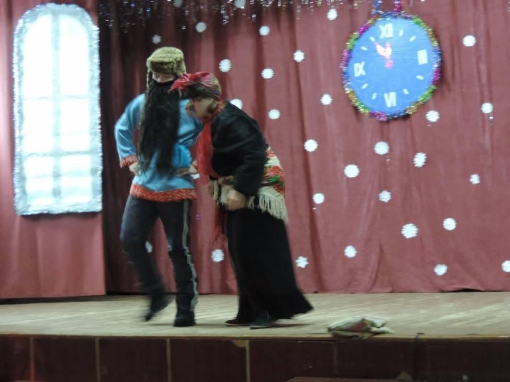 Сценарий школьного новогоднего праздника «Украли Снегурочку!»