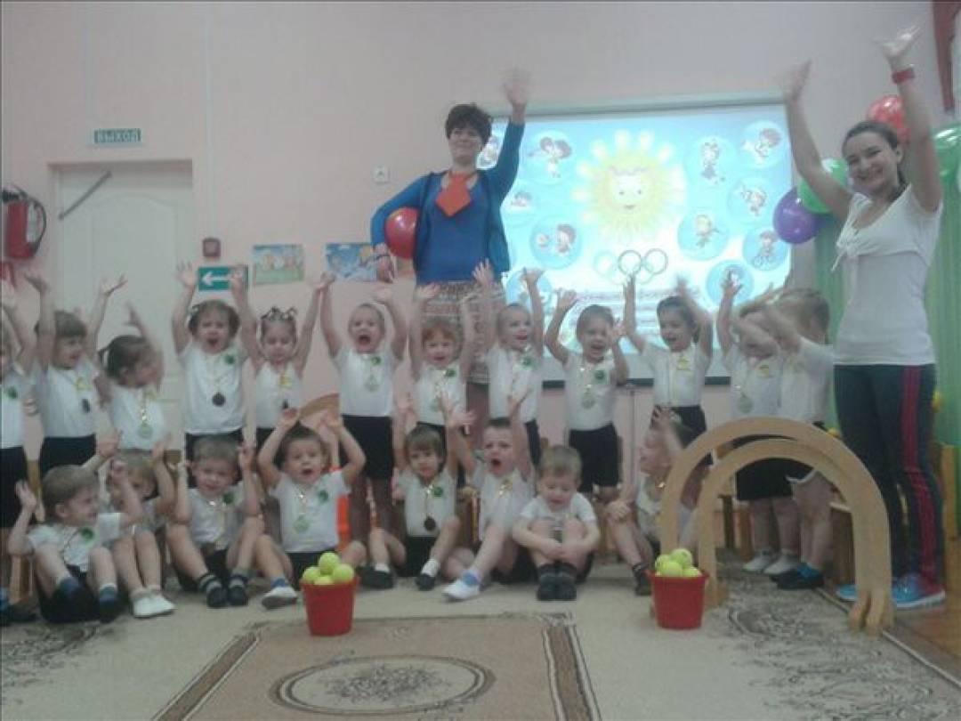 знакомство детей младшей группы со сказками