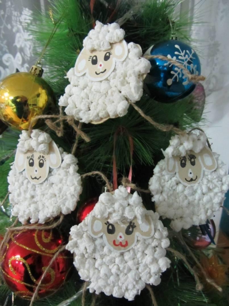 Новогодняя поделка «Пушистая овечка»