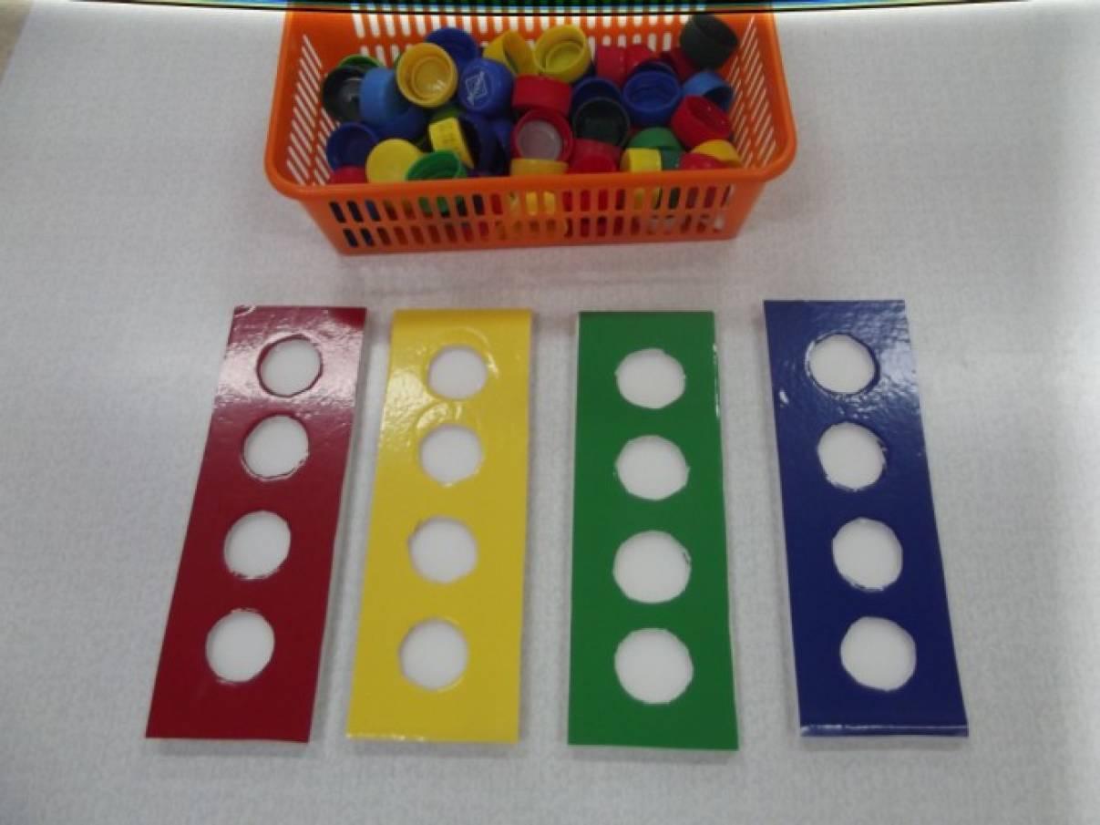 Монтессори материалы своими руками цветные бутылочки
