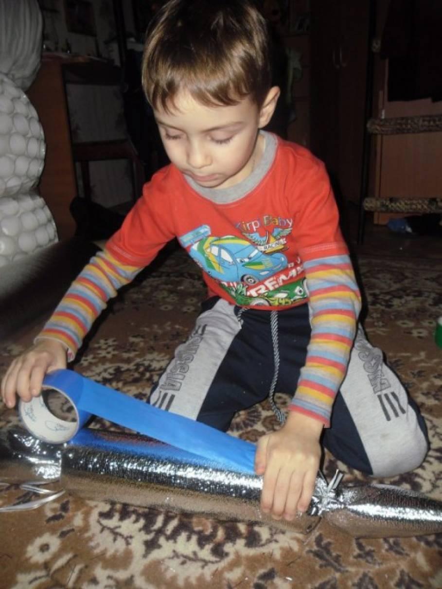 Наши удивительные конфетки. Любят очень наши детки, можно елку нарядить и сюрпризом удивить!