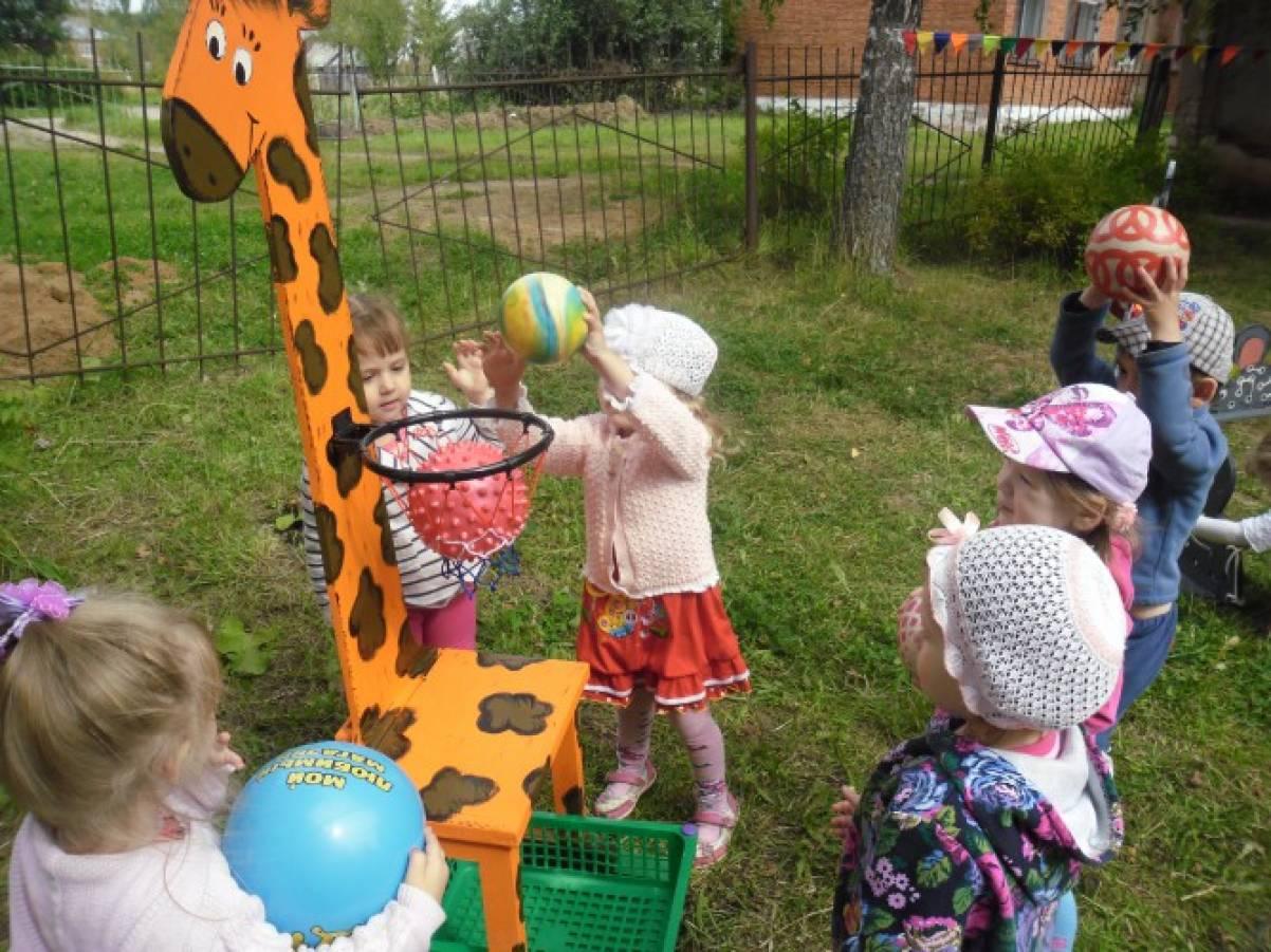 Поделки в детском саду на площадке