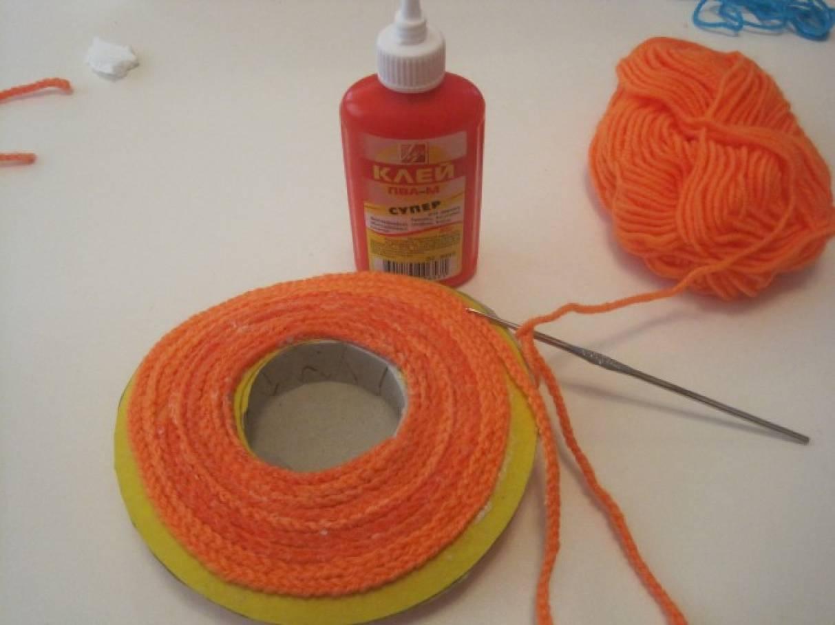 Вяжем из ниток с тканью