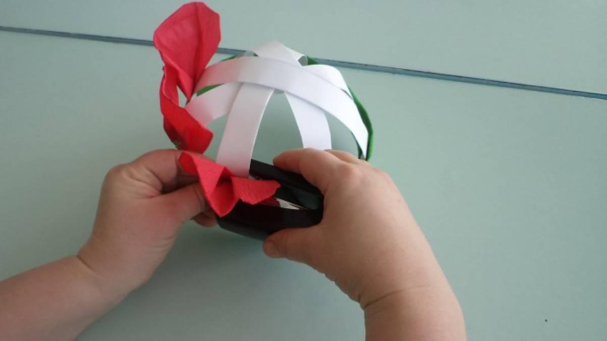 Как сделать цветок из бумаги на голову