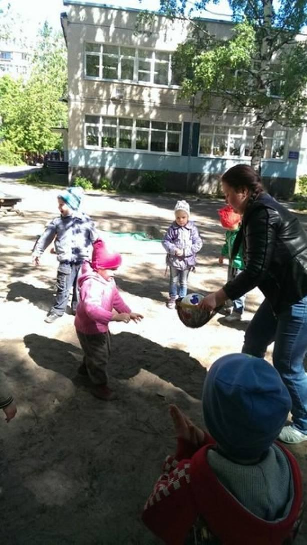 Консультация для родителей — «Игры с мячом»