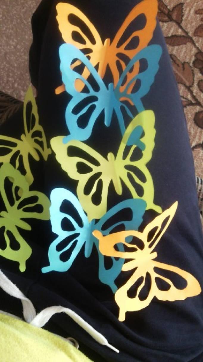 Украшаем группу к весне. Шары из ниток с бабочками