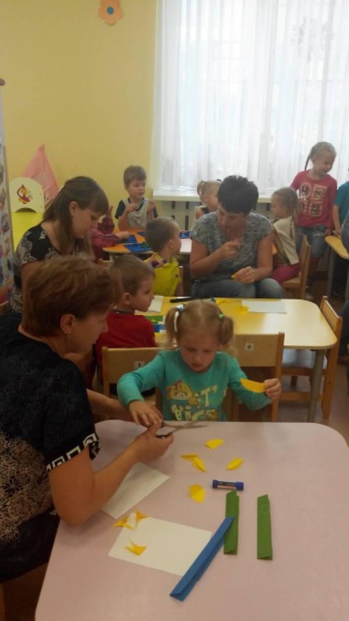 Мастер-класс для родителей и детей «Облачка». Обьемная аппликация из цветной бумаги