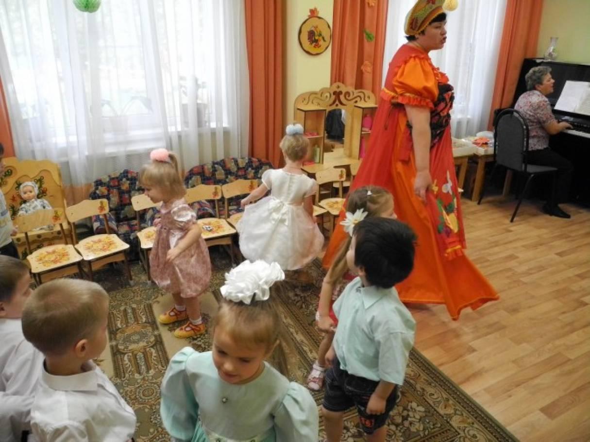 Сценарий праздника «Осень разноцветная». Развлечение для детей старшего дошкольного возраста