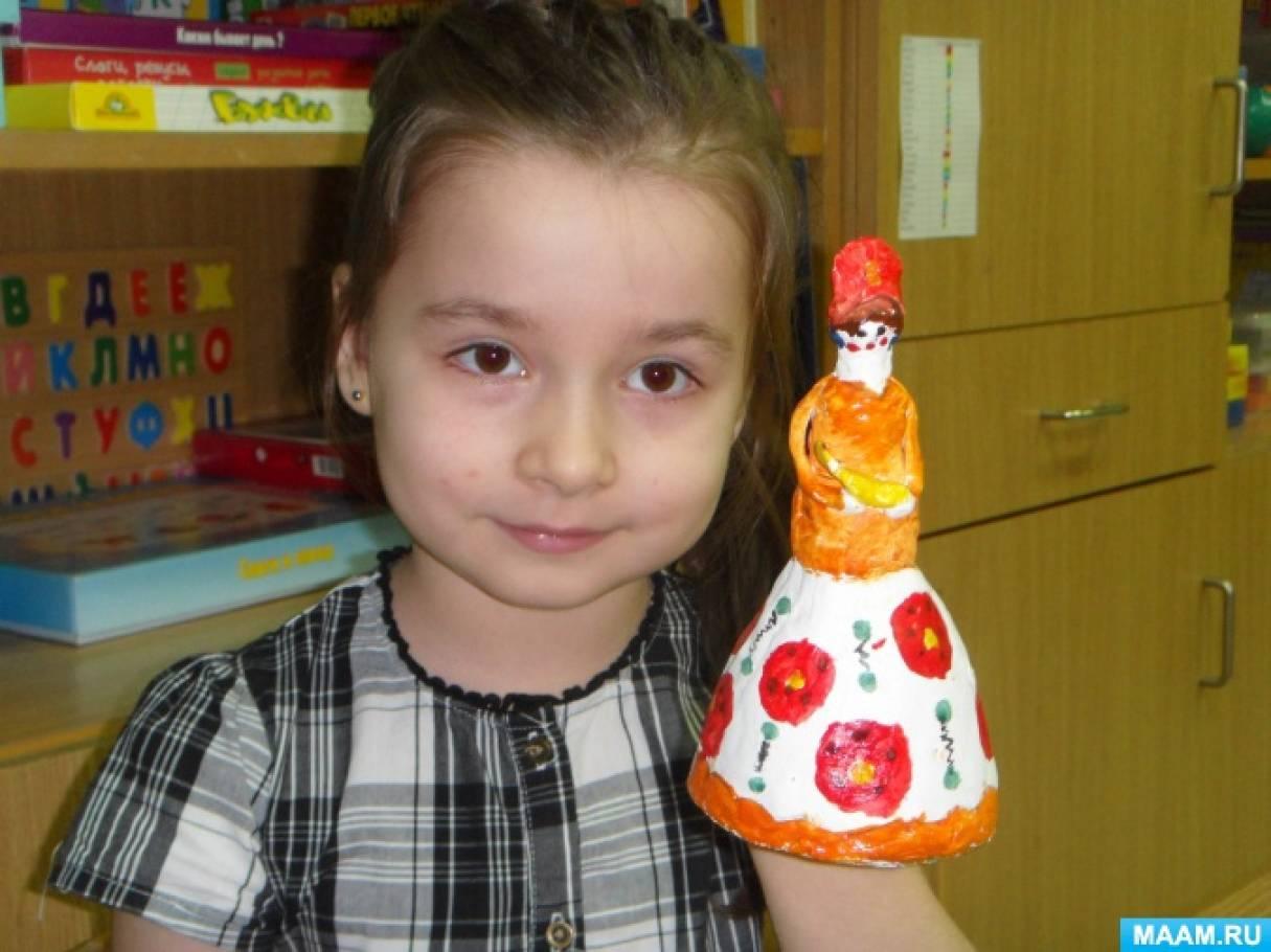 Детский мастер-класс «Дымковская барышня из пластиковой бутылки и глины»