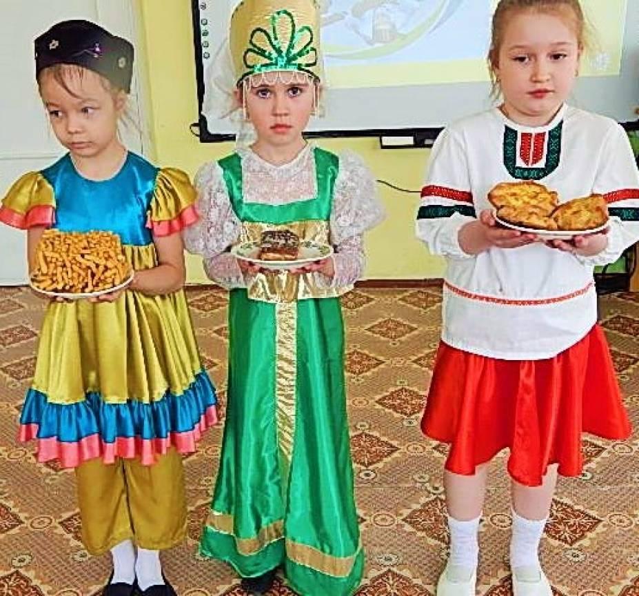 Сценарий праздника. Фестиваль культур разных народов «Вместе дружная семья»
