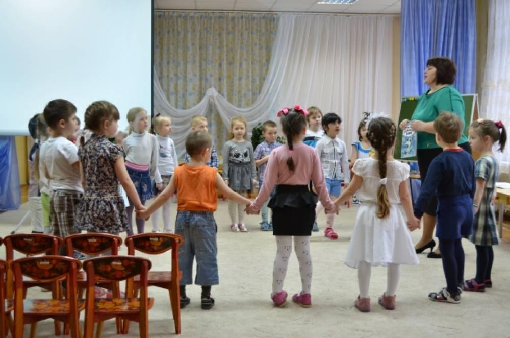 знакомство с русским народным творчеством во второй младшей группе