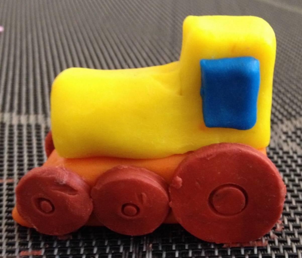 лучи, картинка паровоз из пластилина уход
