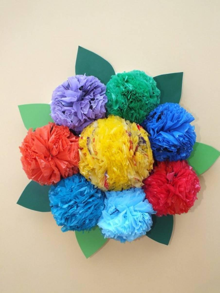 Цветы из целлофановых пакетов своими руками