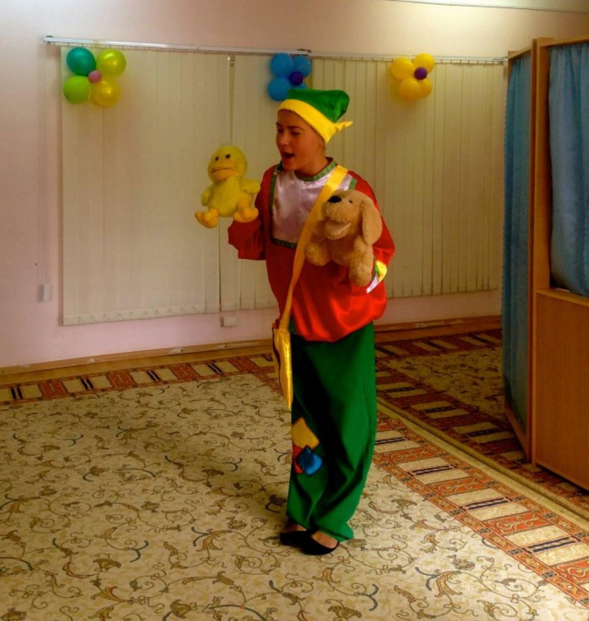 сценарий новогоднего утренника для детей младшего возраста