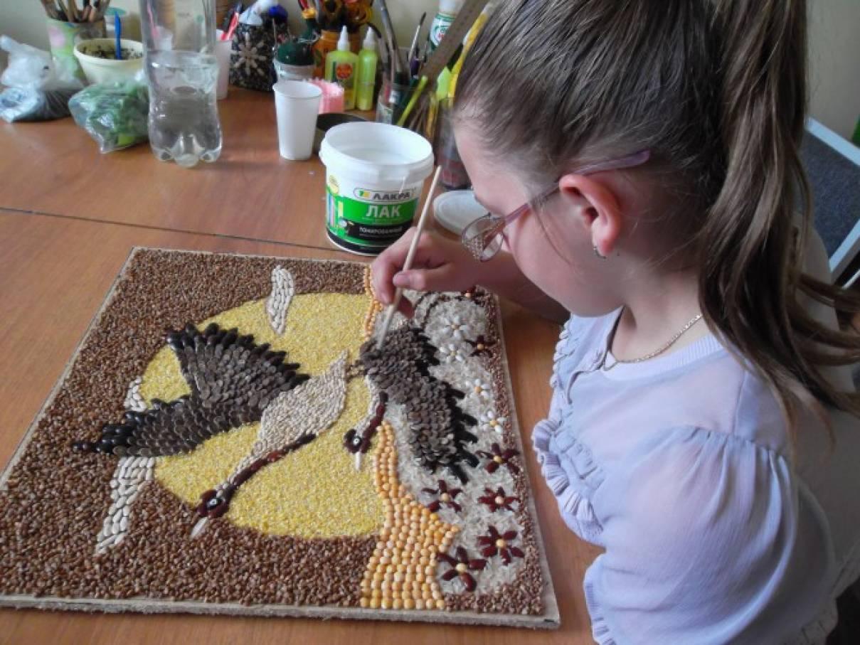 Поделки из семян или крупы 754