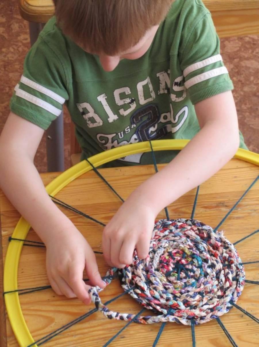 Коврик своими руками плетем коврик