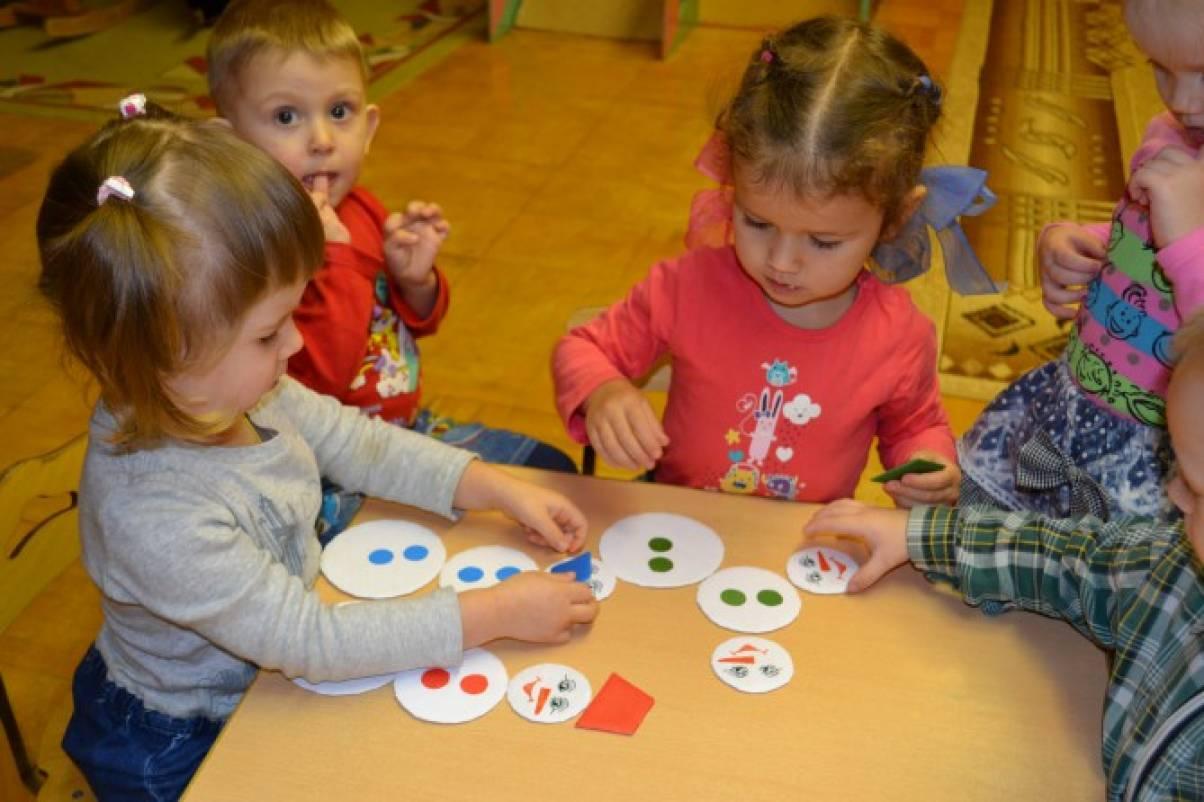 Как играть с детьми группы раннего возраста