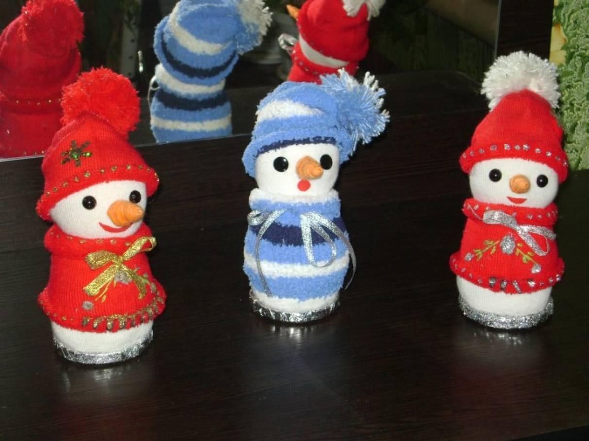 detsad-358845-1449075276 Снеговик из носка своими руками мастер класс. 3 варианта, как сделать снеговика из носка