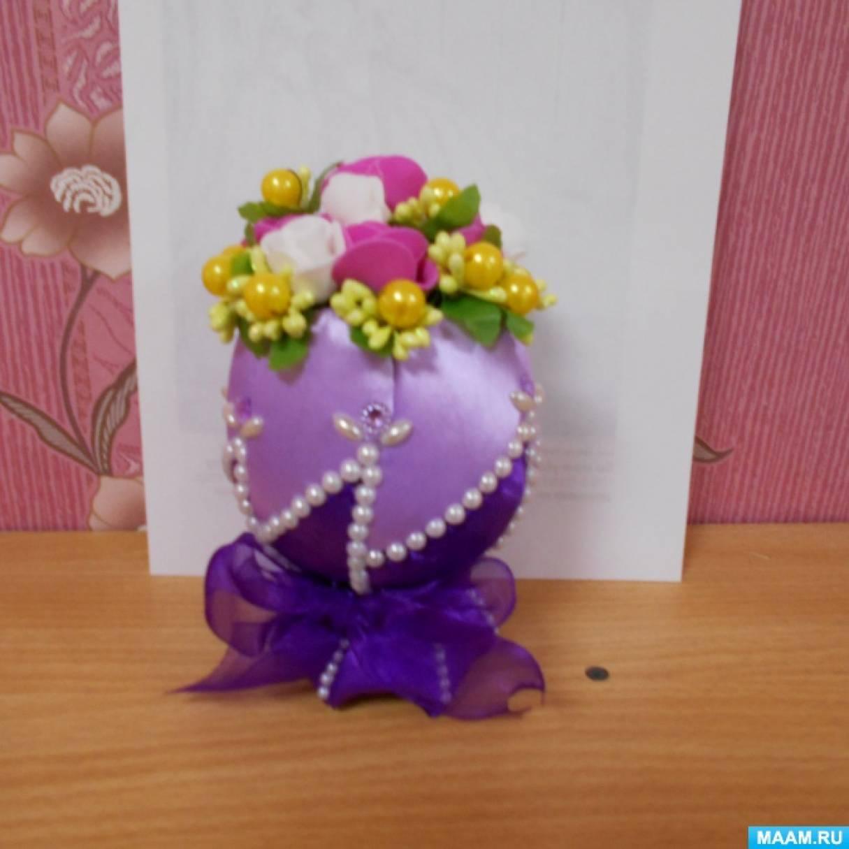 Подарочное пасхальное яйцо в стиле канзаши