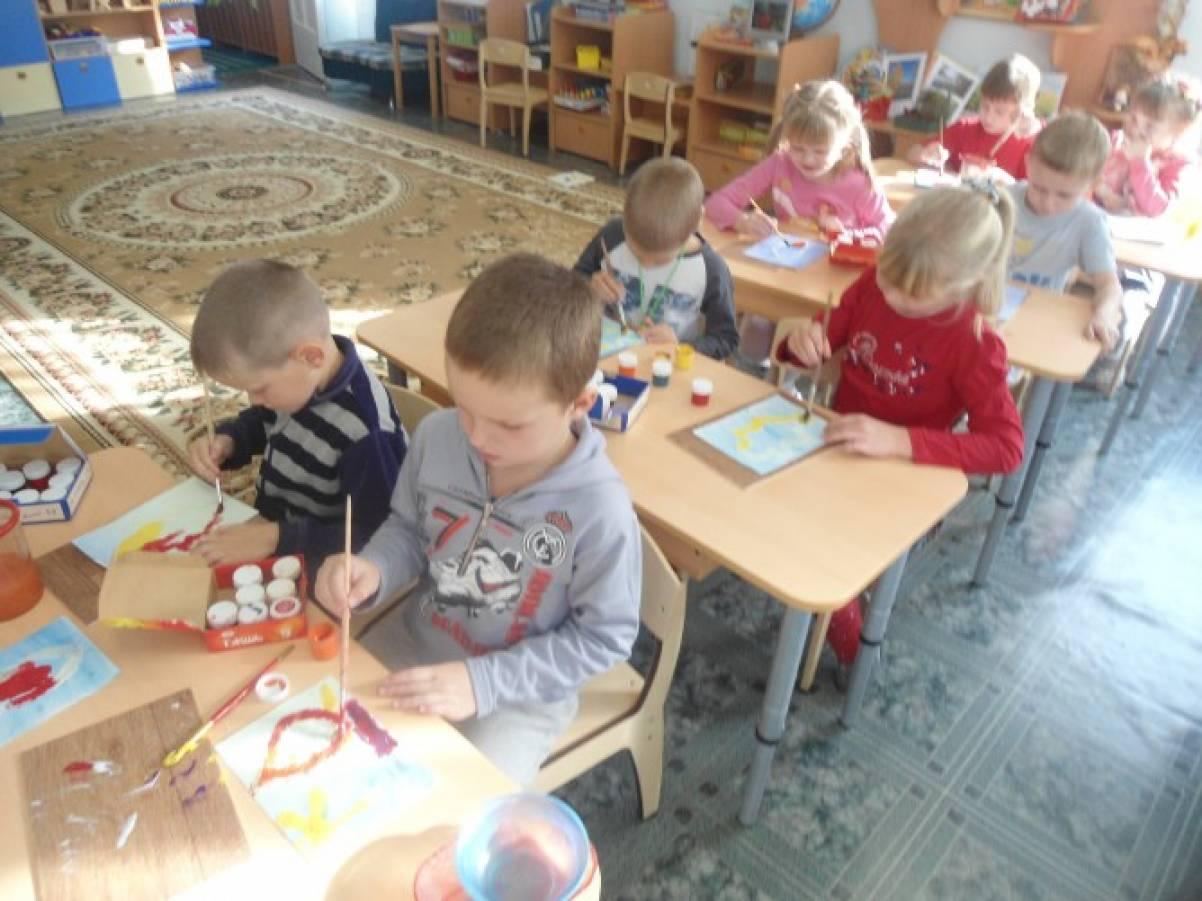 Фотоотчёт об образовательной деятельности по рисованию с элементами аппликации манной крупой на тему «Пейзаж»